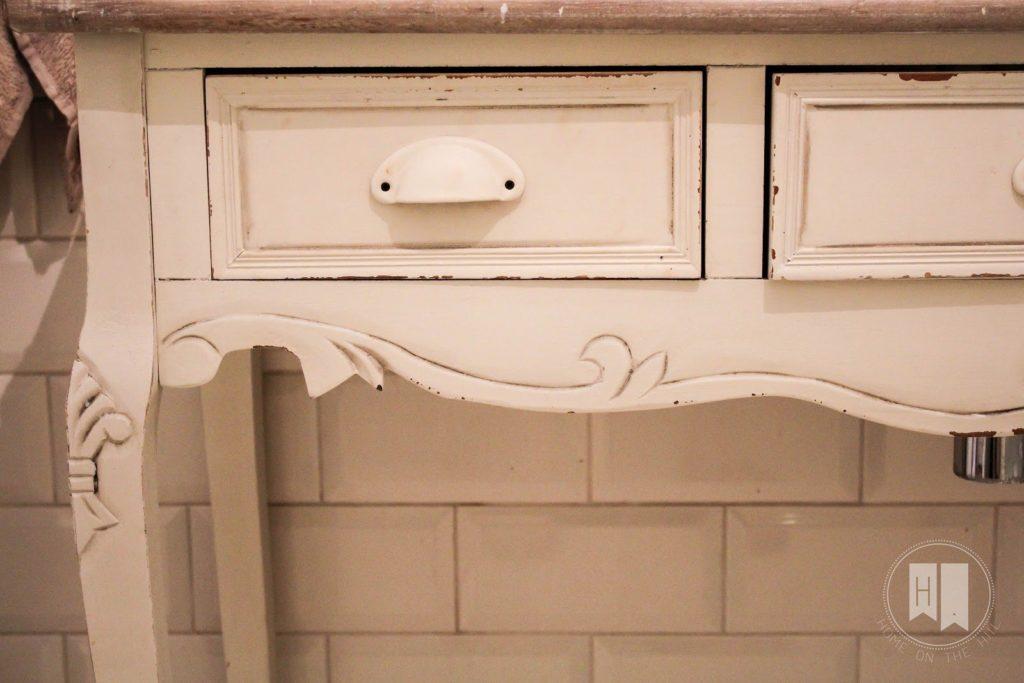 konsolka w łazience, konsolka w prowansalskim stylu