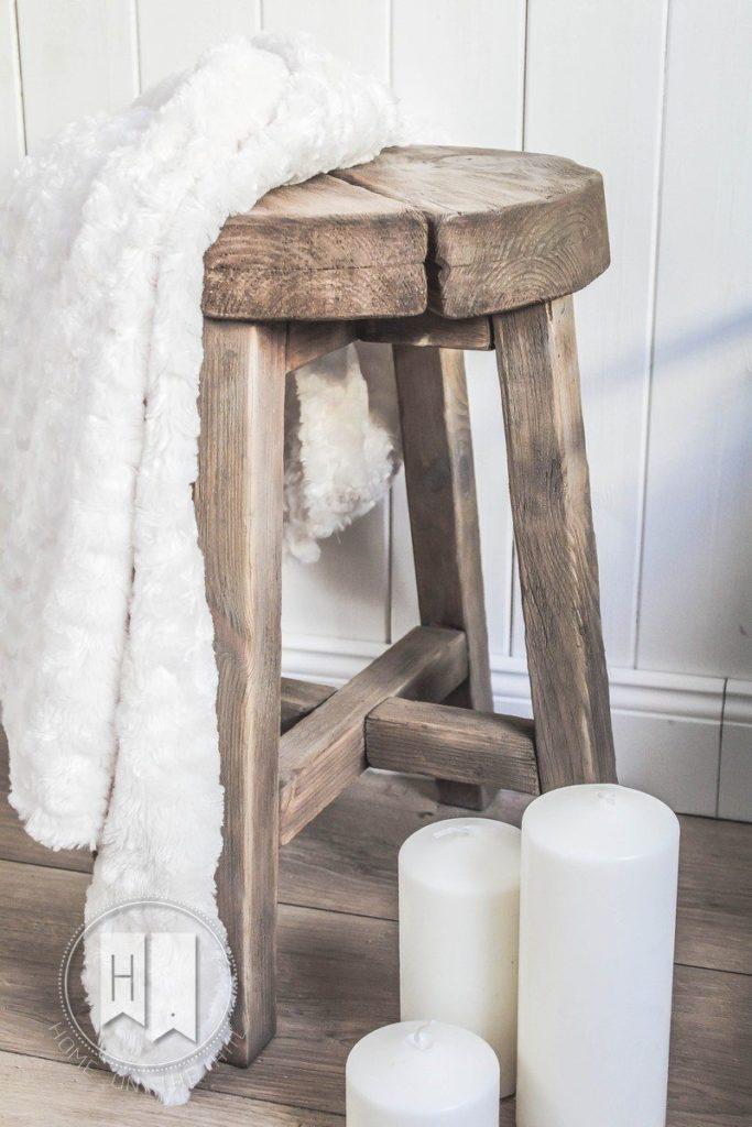 stolek-skandynawski-styl-1-683x1024
