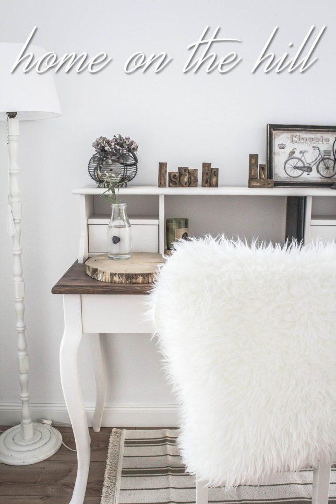 biuro w sypialni styl skandynawski