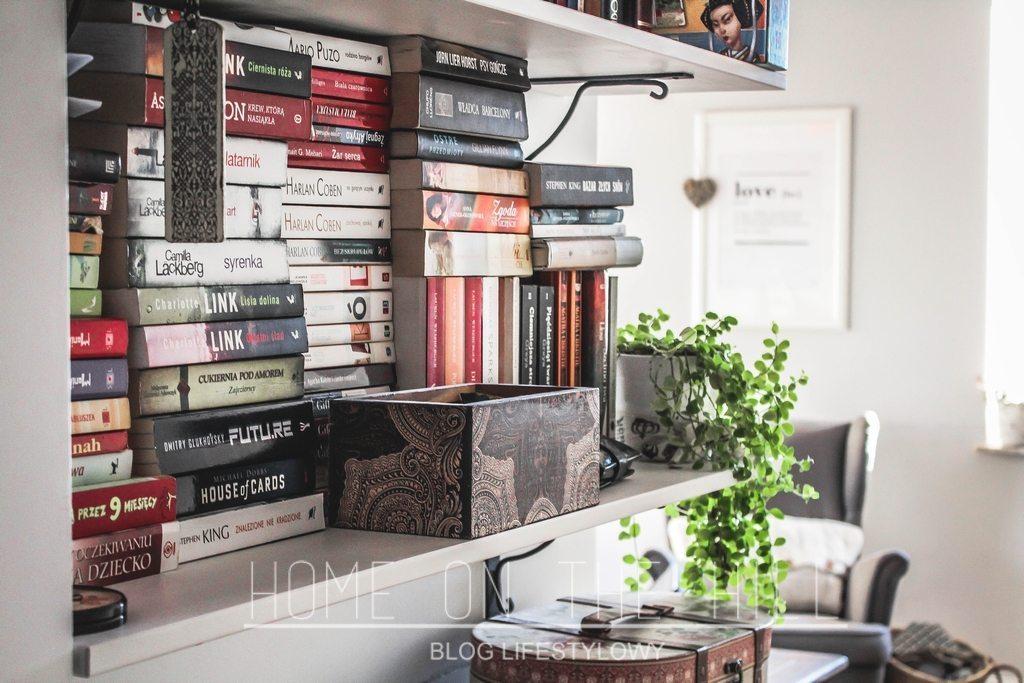 regał-na-książki-z-półek