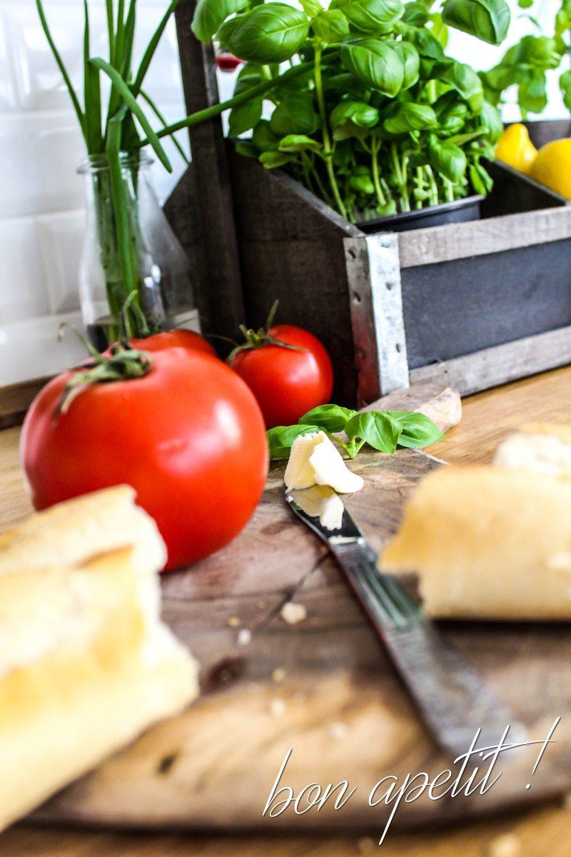 bazylia pomidory