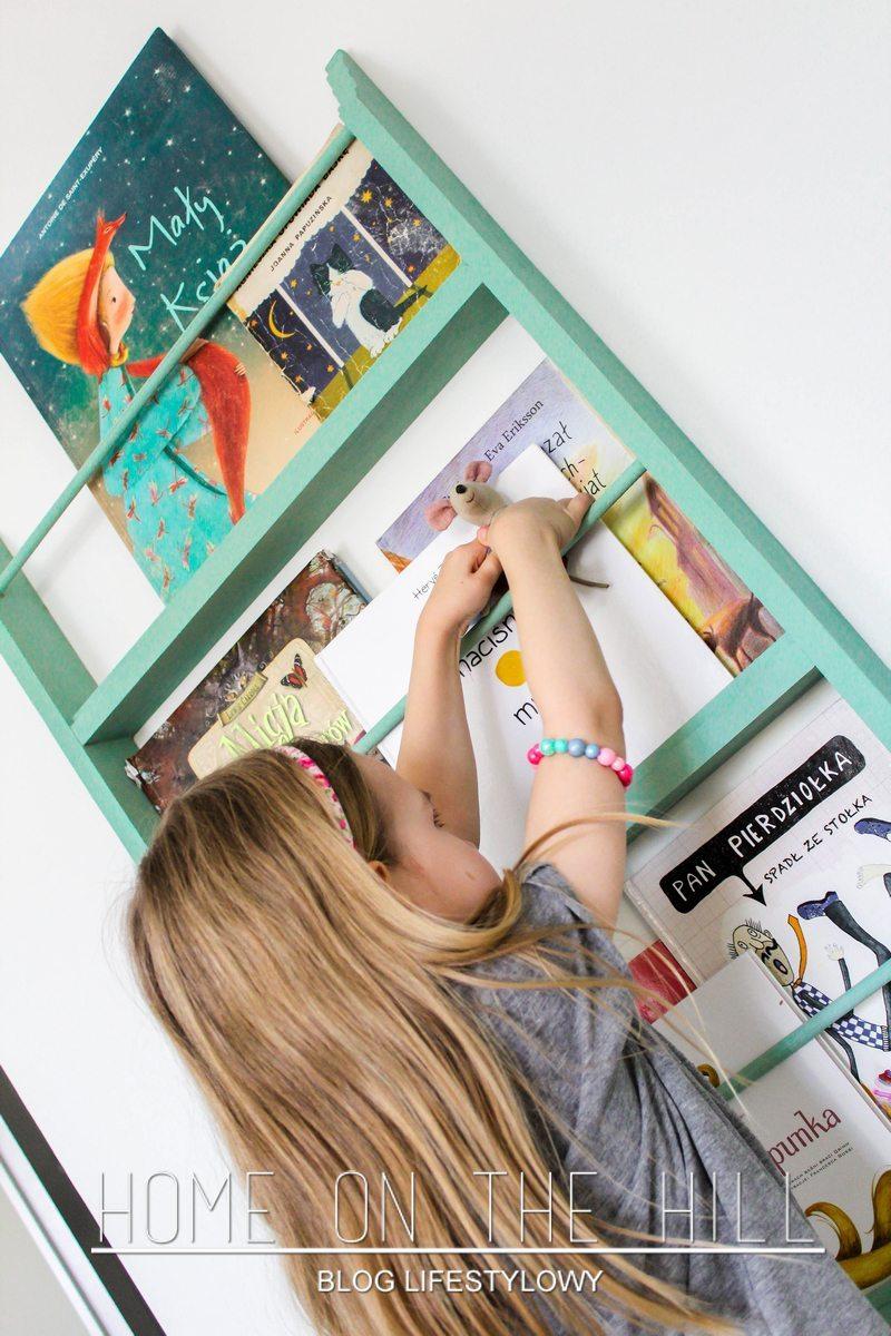 book shelfs kidsroom