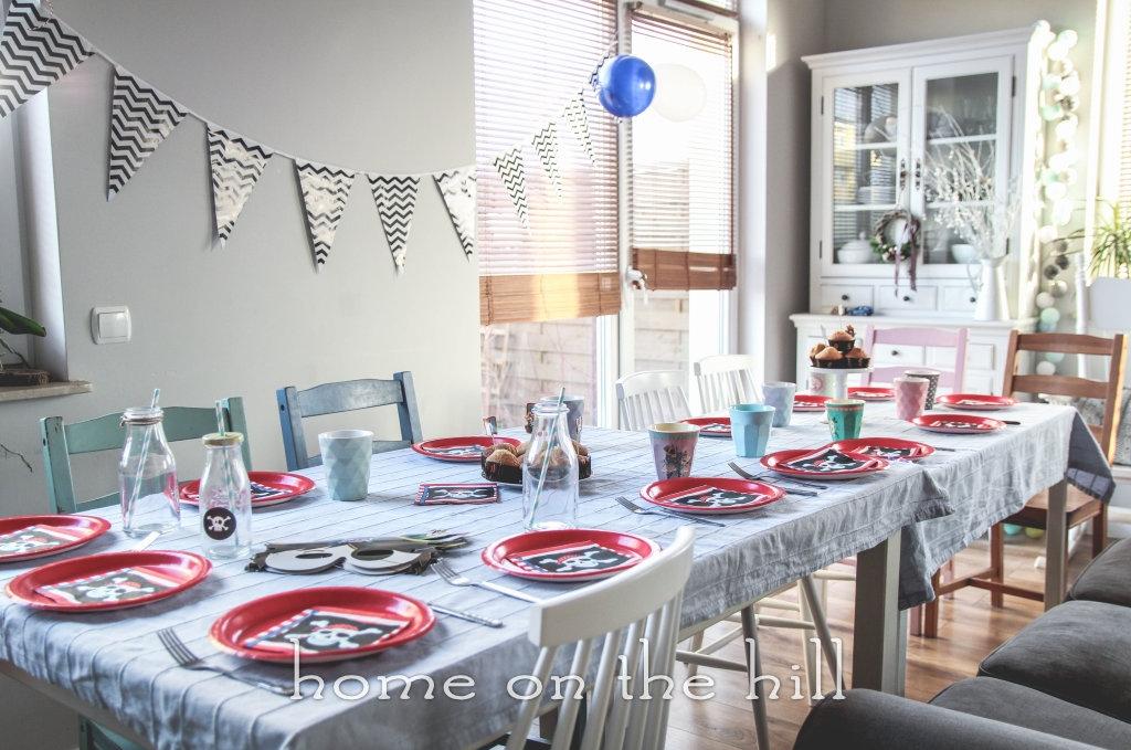 dekoracja-stolu-na-urodziny-piracka