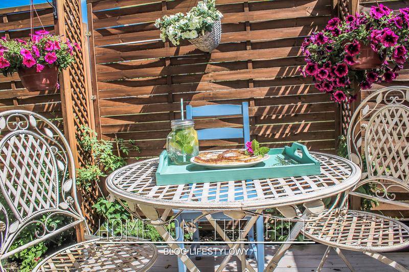 ogródek przy mieszkaniu na parterze