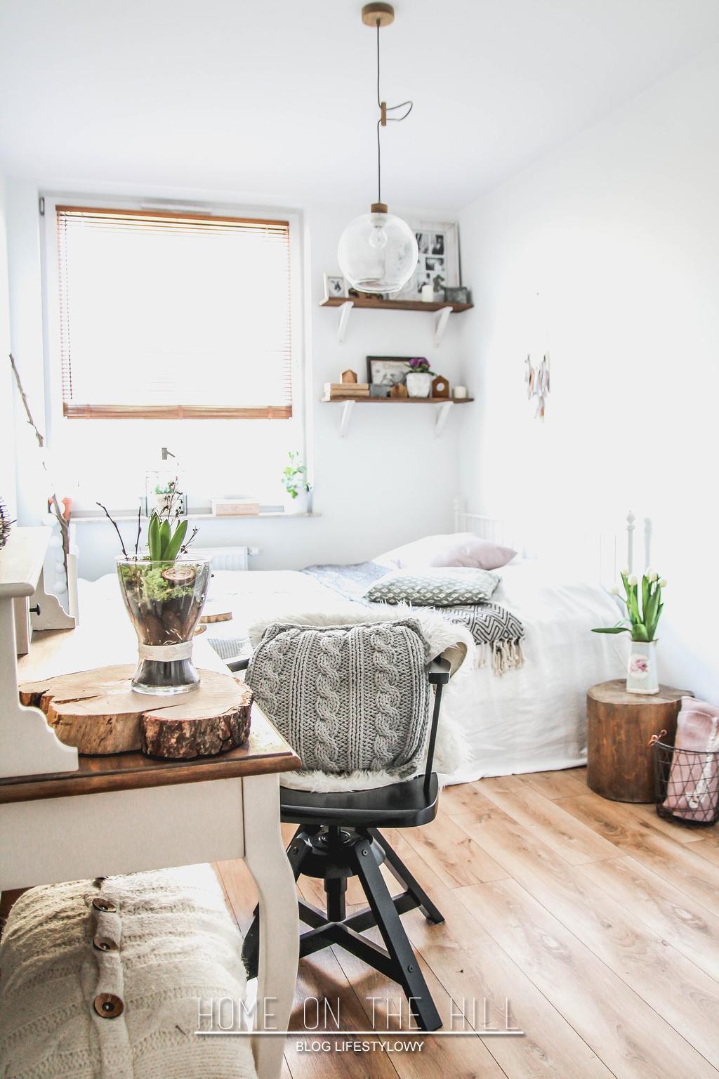 sypialnia-z-domowym-biurem