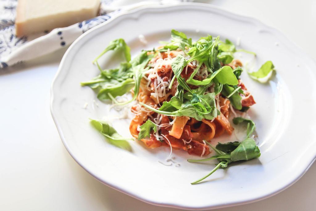 makaron-z-szuszonymi-pomidorami