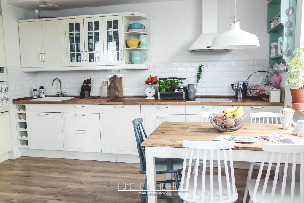kuchnia-w-stylu-skandynawskim-biała-1