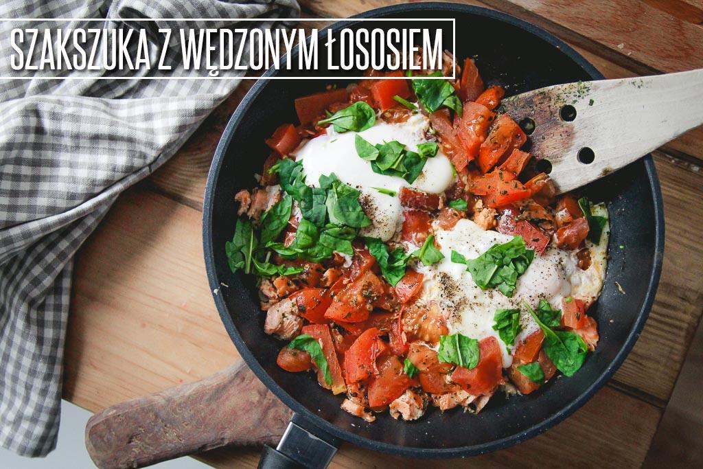 PRZEPIS-SZAKSZUKA-Z-WEDZONYM-LOSOSIEM