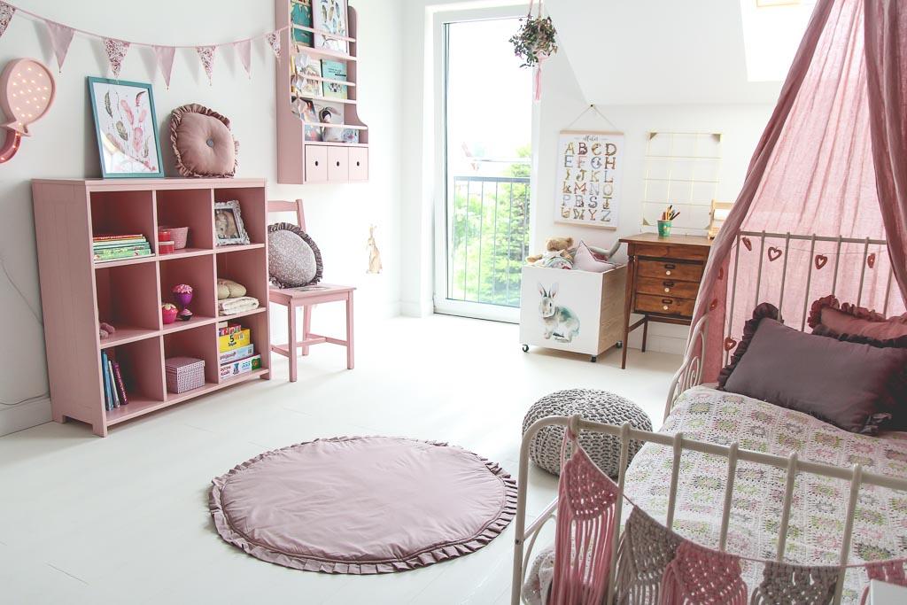 white floor in kids room