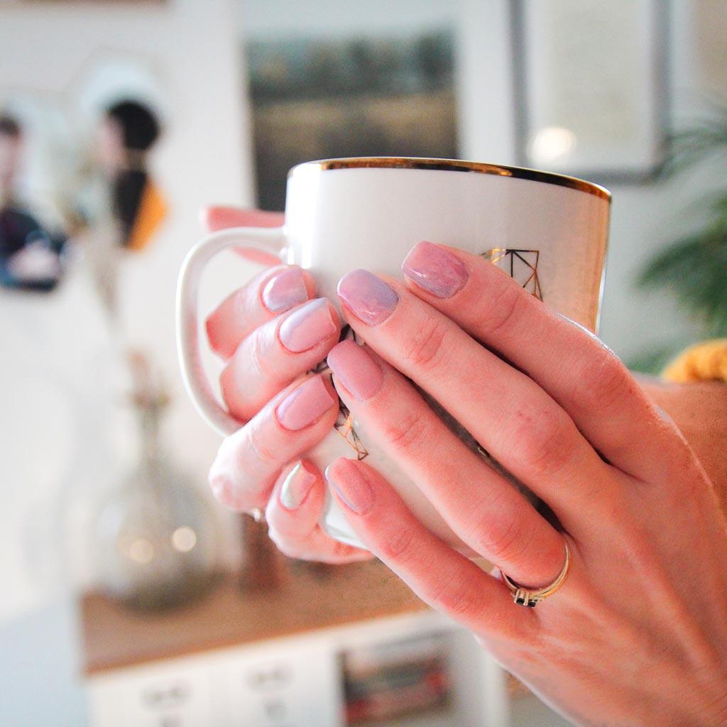 manicure hybrydowy pastele