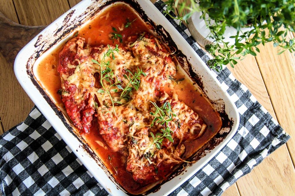 kurczak zapiekany w pomidorach i ziołach