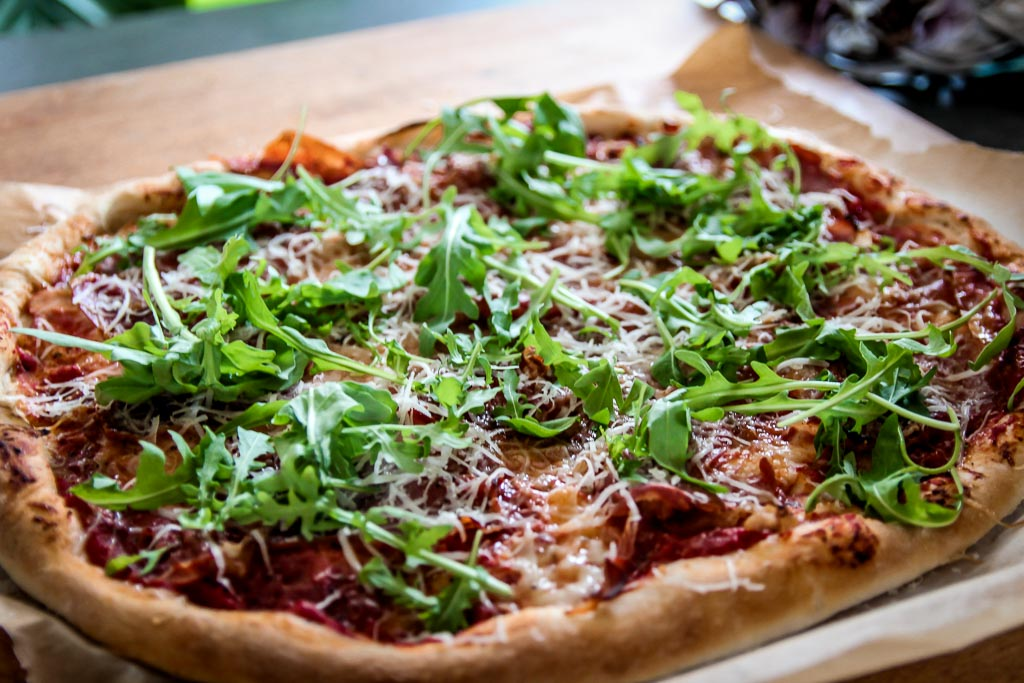 przepis-pizza-parmeńska
