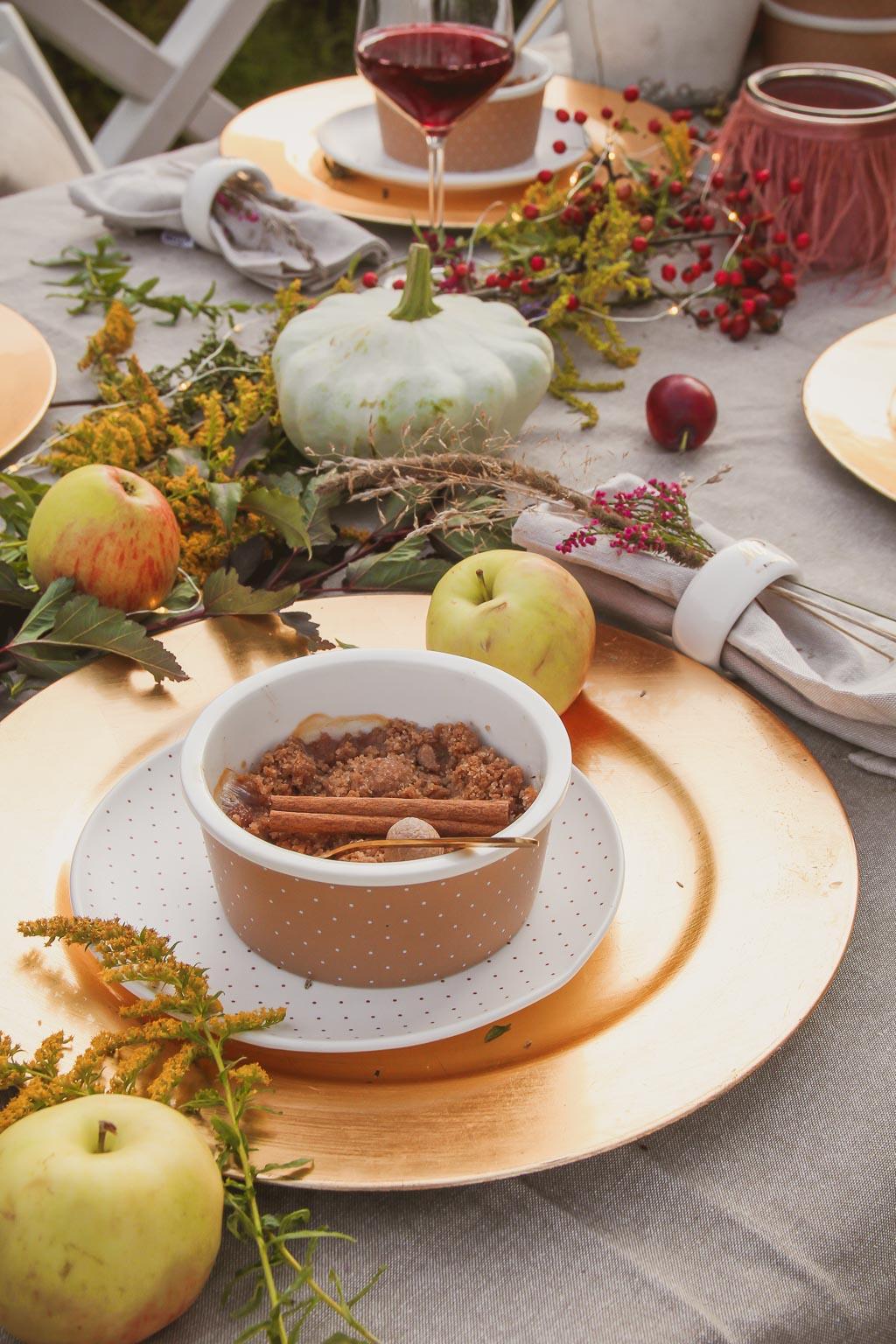 zapiekane jabłka pod cynamonową kruszonką