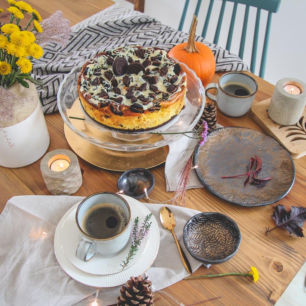 Sernik dyniowy z Oreo i białą czekoladą