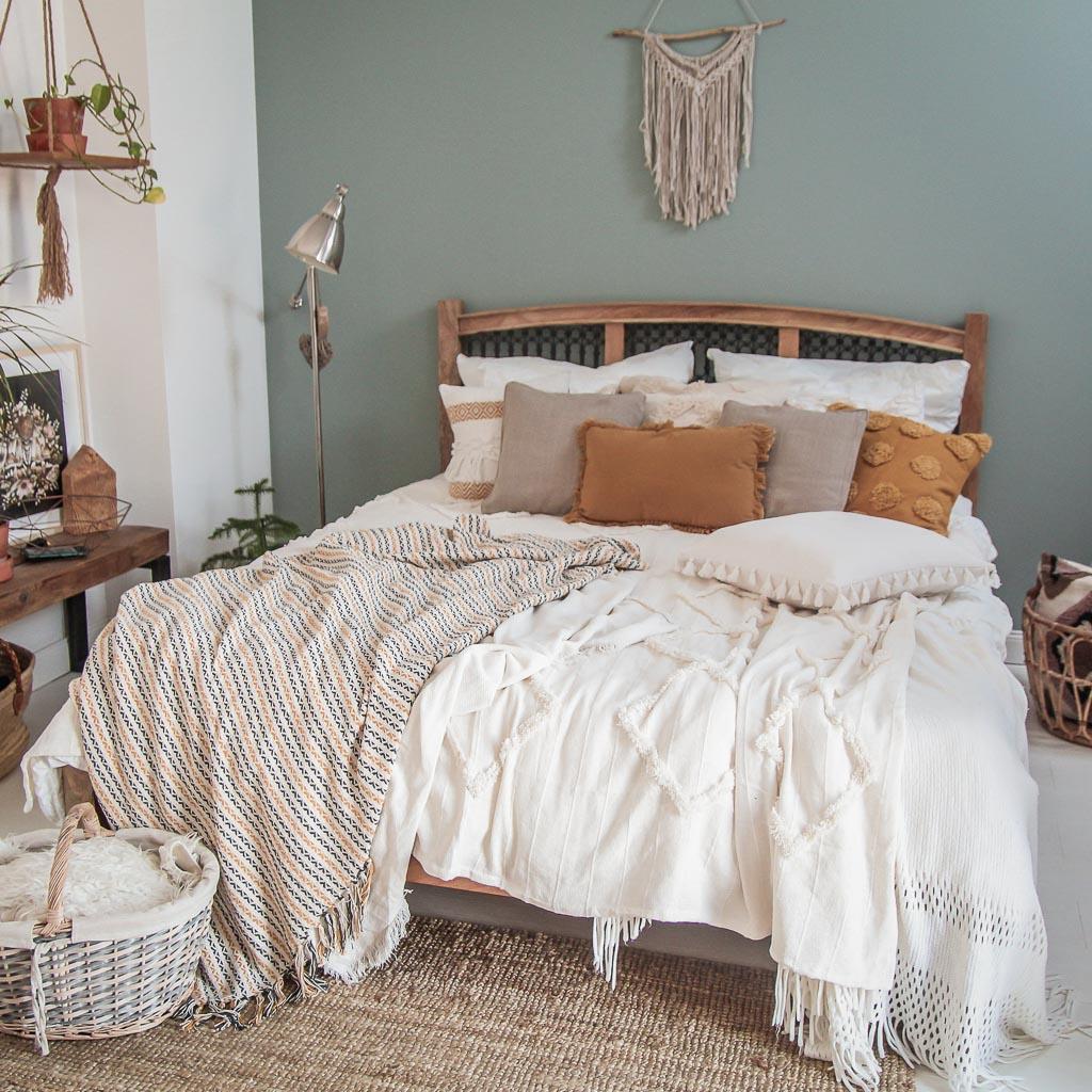 Jak udekorować łóżko? Sypialnia rodem z Instagrama!