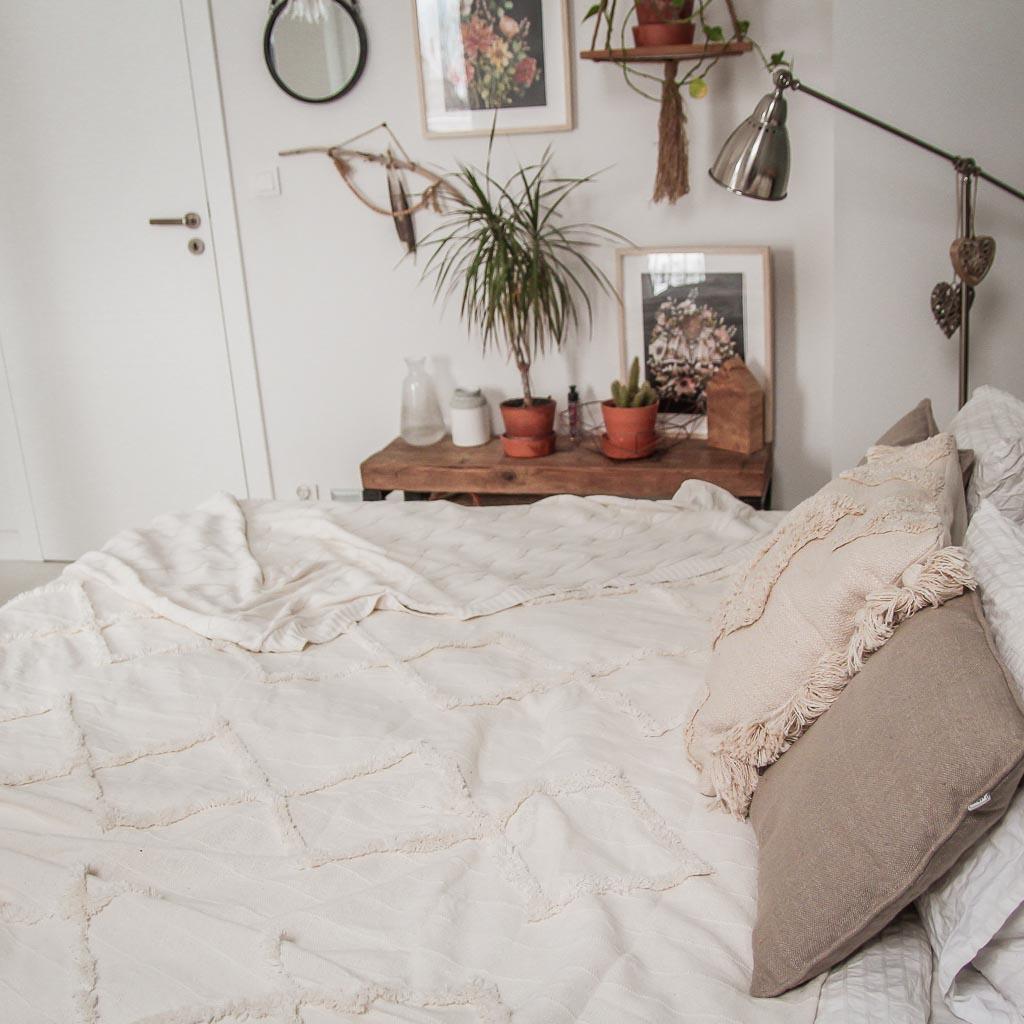 Jak udekorować łóżko?
